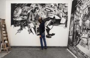 Rinus Van der Velde vor seinem Werk: 'What isn't, can be done', I continued., 2015-2016, 300 cm x 600 cm, charcoal on canvas, Courtesy Tim Van Laere Gallery, Antwerp