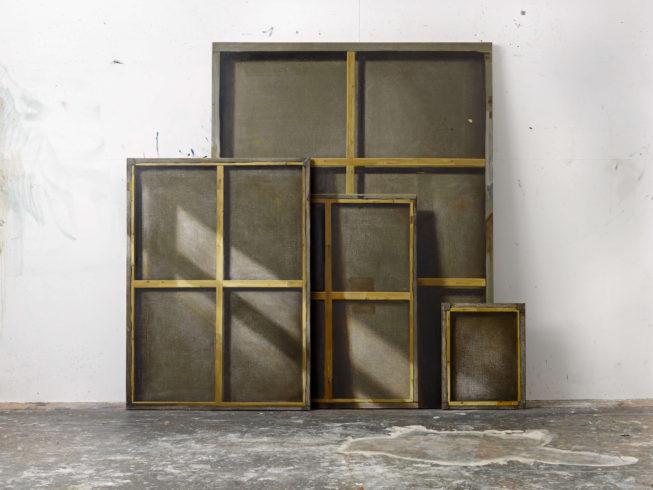 Rohstoff (Atelieransicht), 2010, Öl auf Leinwand, 220 x 238 cm, dreiteilig