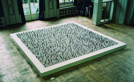 Martin Werthmann, ohne Titel, Hartgips, Titanweiß, Eisenoxyd-Schwarz, 2005