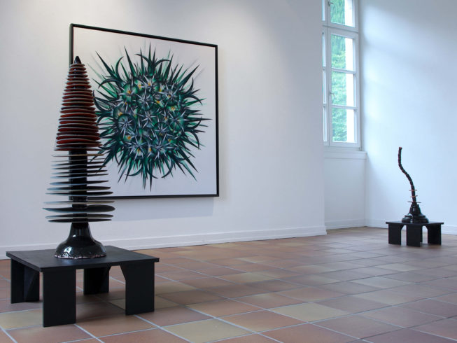 o.T. (1.G.VI_01), 2017, Acryl auf Leinwand im Schattenfugen-Rahmen, 160 x 160 cm, Keramiken, 2010, Einzelausstellung