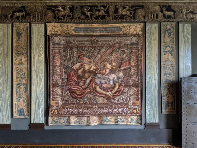"""Margret Eicher: """"Göttliche Liebe"""", 2011, Digitale Collage/Jacquard-Gewebe, 260 x 290 cm VG Bild-Kunst, Bonn 2020/ Margret Eicher, Foto: Künstlerin/Museum Villa Stuck, München"""