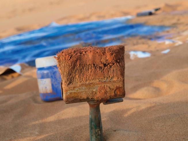 """Bei der Arbeit am Werk """"Wahiba"""" im Oman."""