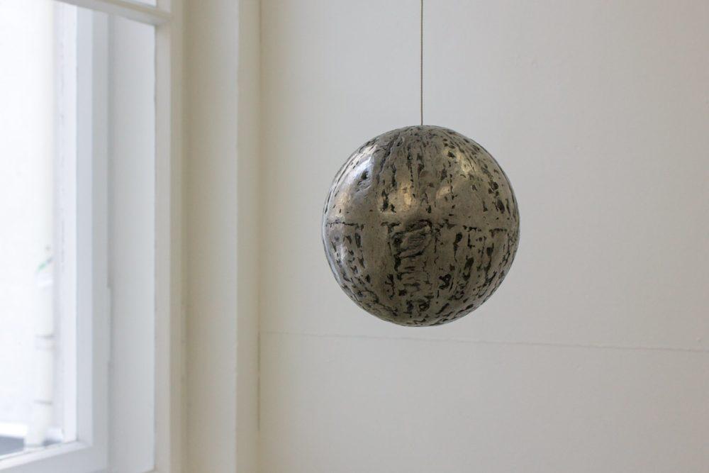 Sphere, 2007, steel, Ø 18 cm, Foto: Peter Wackernagel