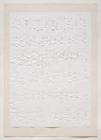 """2/17 V 69"", Papier, gerissen, 100 x 70 cm, 1969 Foto: Sascha Fuis, © Oskar Holweck Nachlass, Courtesy Gallery Martin Kudlek, Köln"